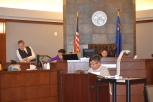 Hickey fourth graders played all the roles in mock trial as Judge Eric Johnson helps them navigate the process.